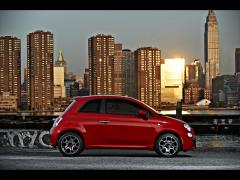 red-fiat-500-side-wallpapers_28629_1920x1440